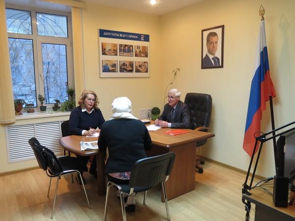Депутат облдумы Борис Пищулин провел прием в общественной приемной Партии
